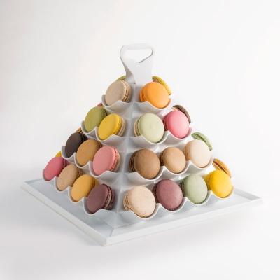 Grande pyramide de macarons par 40